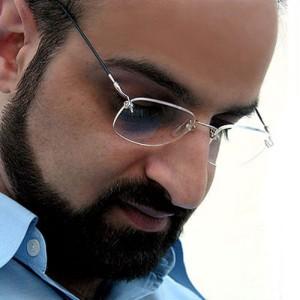 Mohammad Esfahani Armaghane Tariki 300x300 - دانلود آهنگ محمد اصفهانی به نام ارمغان تاریکی